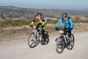 David y Javier Amo al paso por el Alto de La Plana